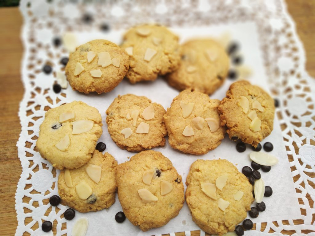 Terima pesanan Spicy Almond Cookies Home made Pondok Cabe