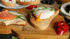 Cara Buat Poached Egg Hanya Dengan Bahan Sederhana dan Mudah