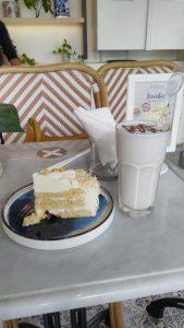 Nyobain Jasuke Cake yang lembut di Exquise Patisserie Senopati